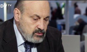 Tomasz Halik podczas debaty