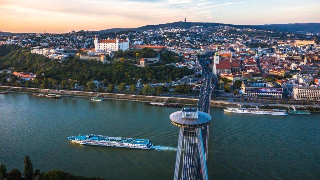 Slovakia, Bratislava, Restaurant _UFO_Donau